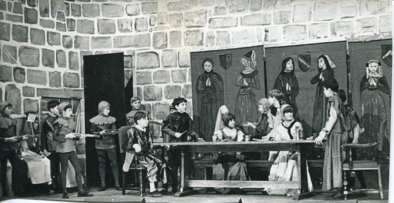 Play - The Beggar Boy Earl 1969